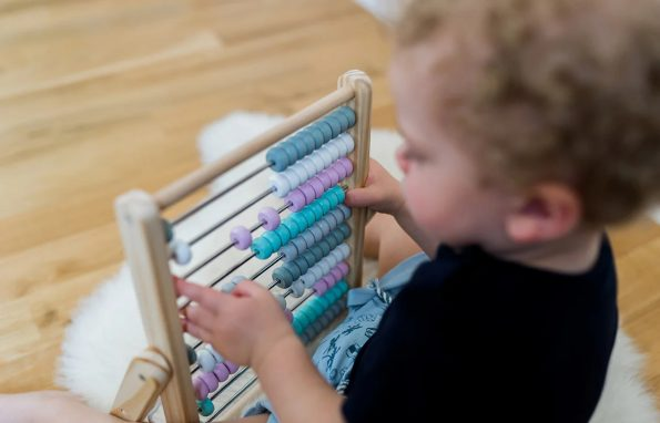 Kindsgut-abacus-rozsaszin-3