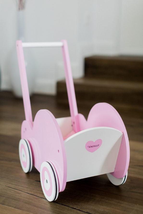 Kindsgut-pink-fa-jatek-babakocsi-4